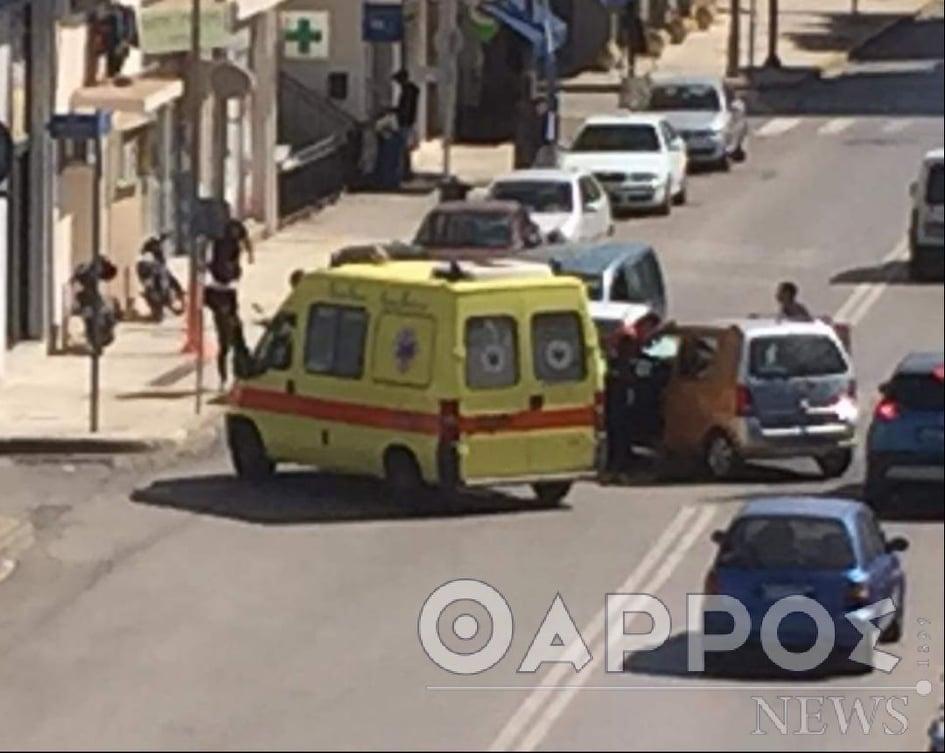 Τροχαίο ατύχημα με τραυματισμό στην οδό Φαρών στην Καλαμάτα (φωτογραφίες)