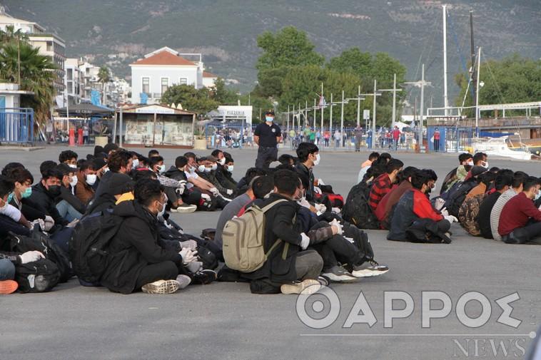 Αναμονή μέχρι να αναχωρήσουν οι 182 μετανάστες από την Καλαμάτα