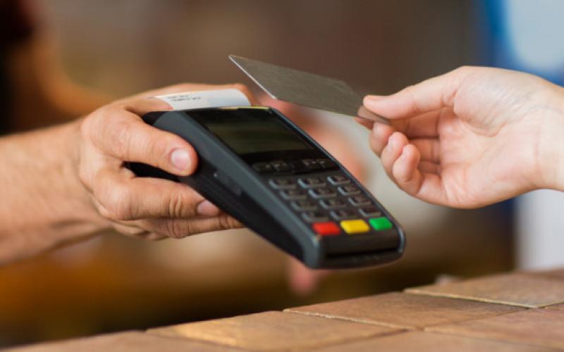 Καλαμάτα: 30χρονος έκλεψε πορτοφόλι και με την κάρτα πραγματοποίησε ανέπαφες συναλλαγές