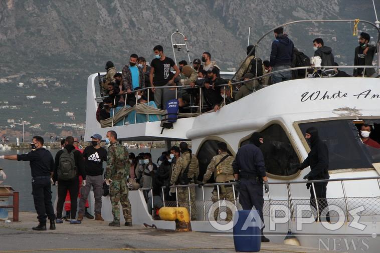 Συναγερμός στο λιμάνι της Καλαμάτας – Εντοπίστηκαν θετικοί στον κορωνοϊό αρκετοί από τους 182 μετανάστες