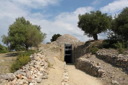 Θολωτοί τάφοι Νέστορος, ανάδειξη Περιστεριάς, Κάστρα Κορώνης- Μεθώνης