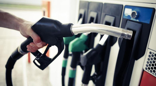 Μεσσηνία: Ρομά έβαλαν τσάμπα βενζίνη, έκλεψαν και το κινητό