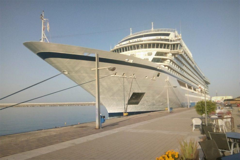Κρουαζιερόπλοιο με 411 επιβάτες στο λιμάνι Καλαμάτας