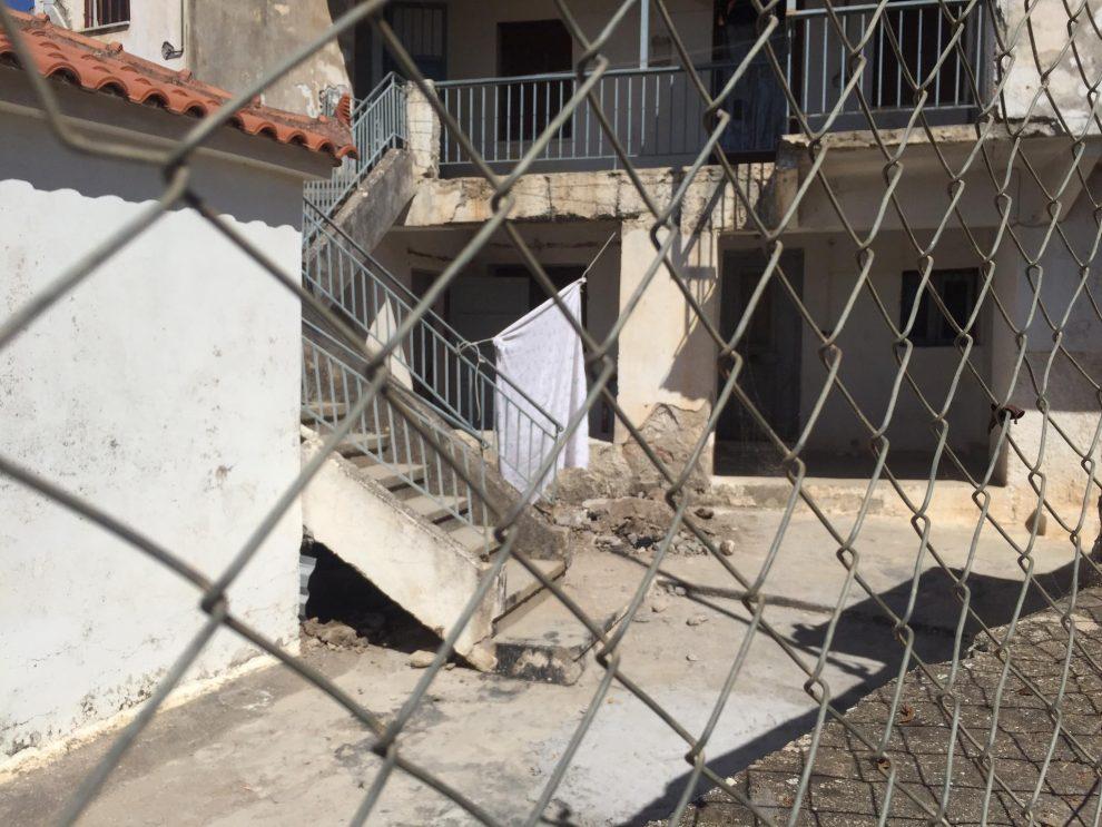 Κυπαρισσία: Νεκρή, γυμνή και σε εμβρυακή στάση τοποθετήθηκε στο τσιμεντένιο τάφο η 42χρονη