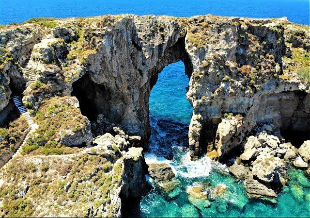 Τσιχλί Μπαμπά: Το νησί της Μεσσηνίας με το κρυμμένο μυστικό