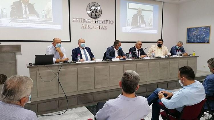 Περιοδεία Χατζηθεοδοσίου στους πυρόπληκτους νομούς της Πελοποννήσου